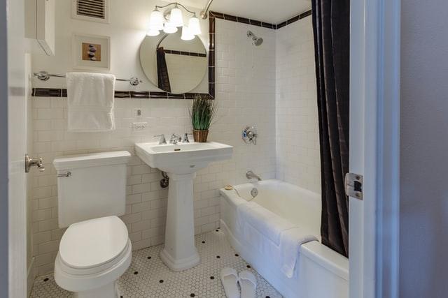 Guía de lavabos para baños pequeños