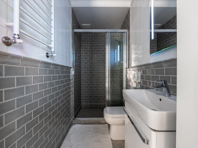Baldosas: nueva moda en baños